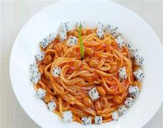火龙果茄汁黄豆意面的制法