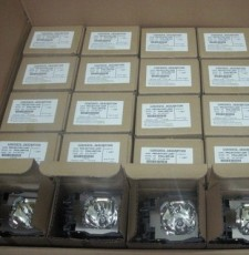 哪里的日立原装HCP-EX7K投影仪灯泡便宜